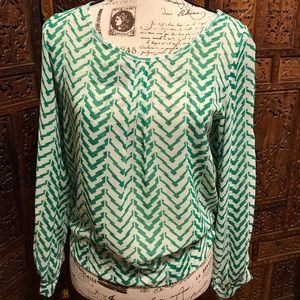 Umgee Green and White Sheer Open Sleeve Top